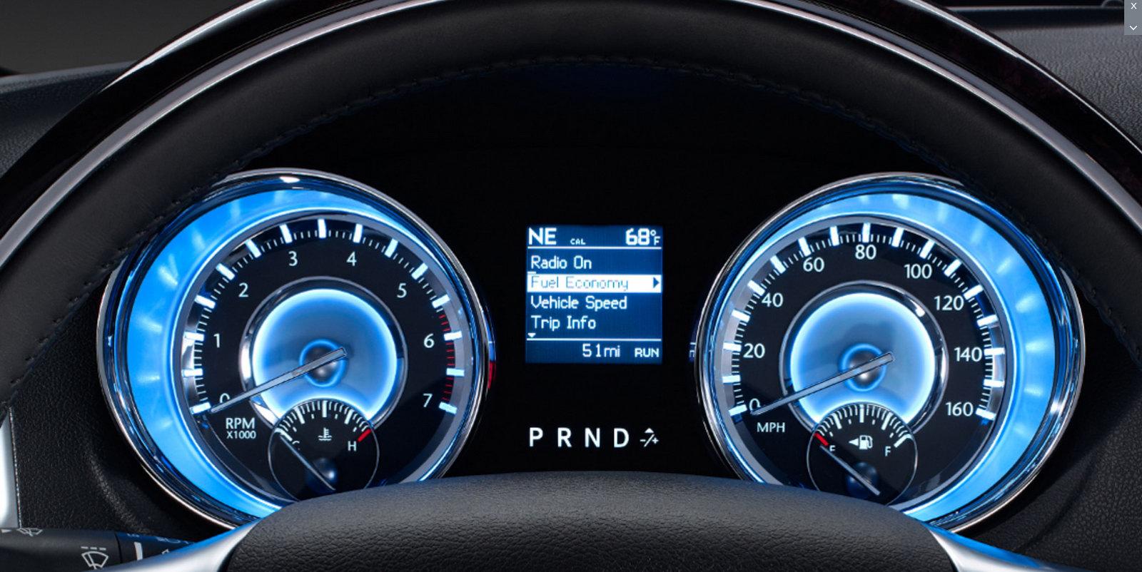 2012-Chrysler-300-6