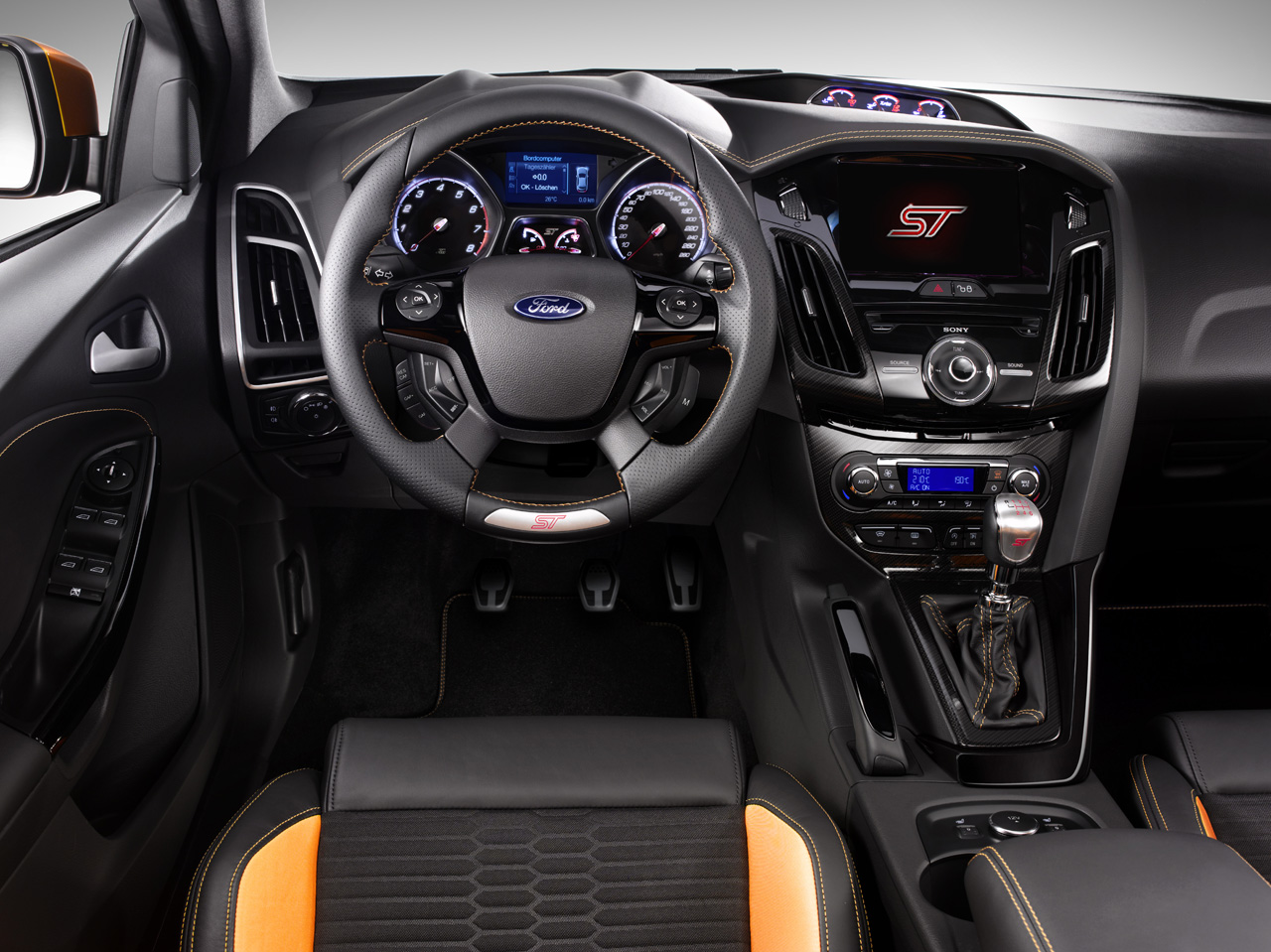 2012_ford_focus_st_press_images_004