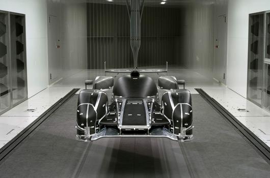 Audi-R18-reveal-02s