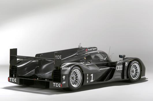 Audi-R18-reveal-09s