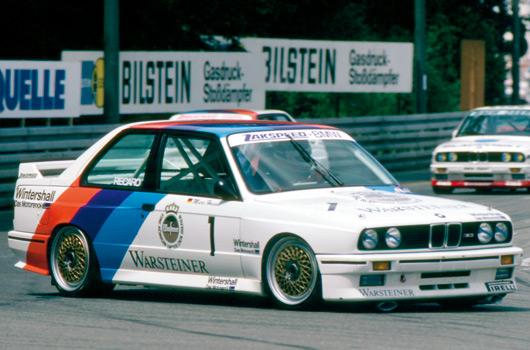 BMW-E30-M3-25yrs-01s