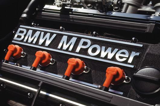 BMW-E30-M3-25yrs-04s