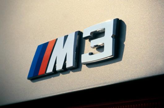 BMW-E30-M3-25yrs-05s