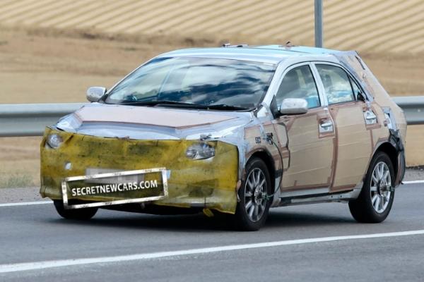 Toyota-Corolla-Hatchback-Hybrid-1