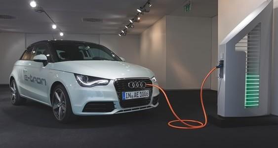 audi_e_tron_solar_charging