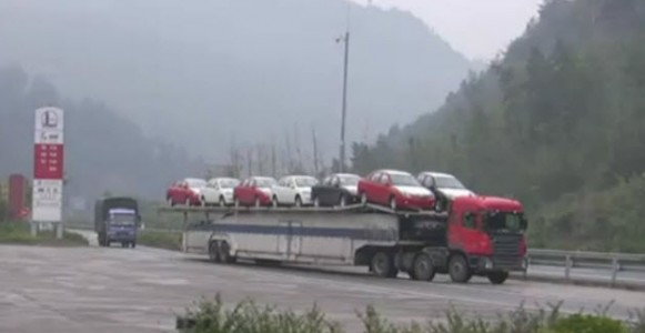 double-decker-dual-truck