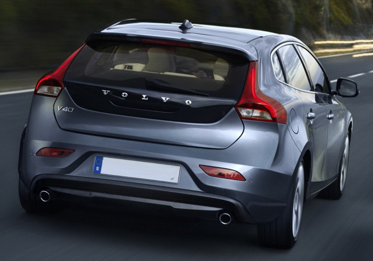 2012-Volvo-V40-officially-revealed-3