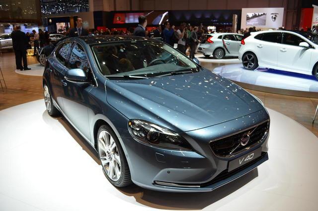 2013-Volvo-V40-05