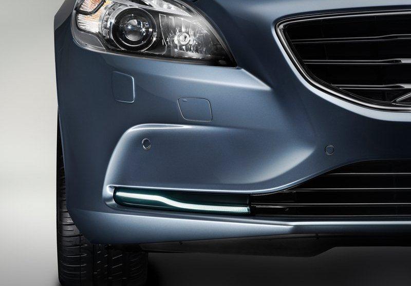 2013-Volvo-V40-Exterior-Detail-2