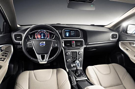2013-Volvo-V40-Interior
